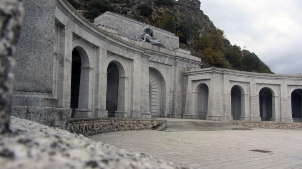 2015-10-Valle-de-los-Caídos-(12)-Desde-lateral